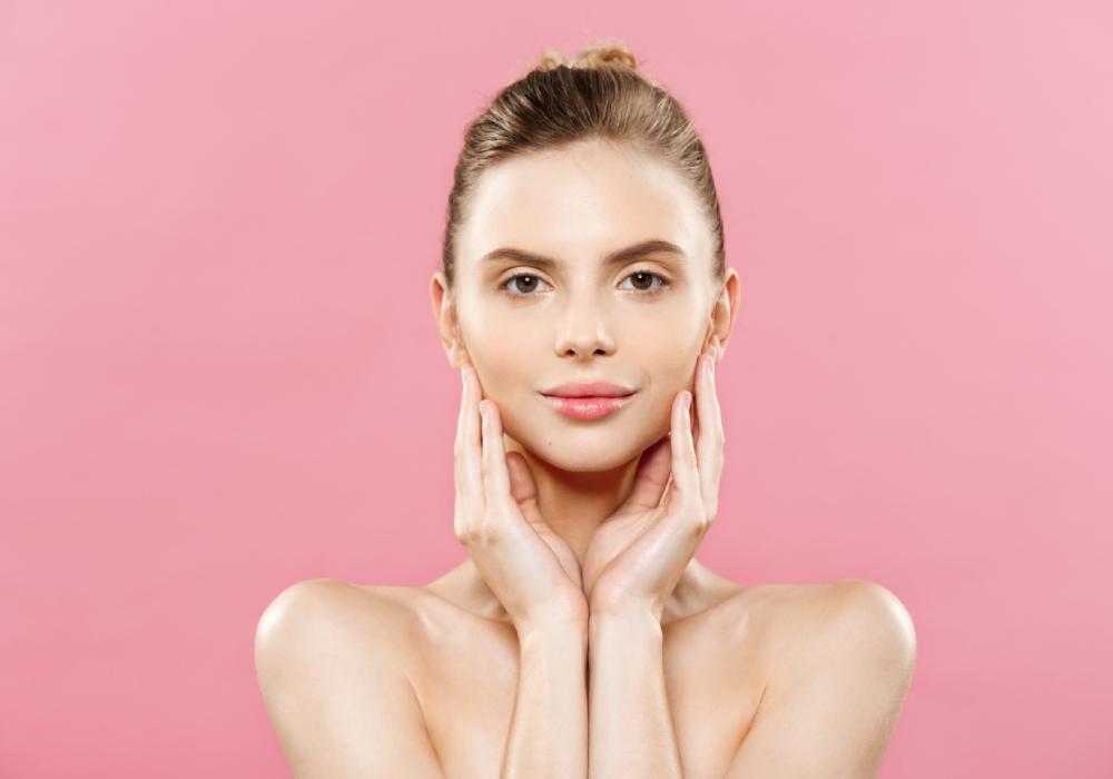 Pourquoi  les humectants sont essentiels pour une peau hydratée?