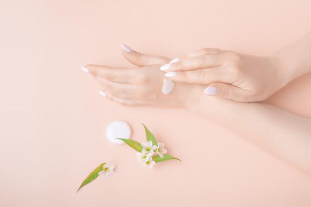 les meilleurs crèmes hydratantes pour les mains sèches et abîmées