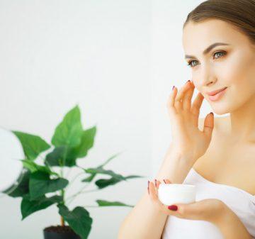 15 toniques recommandés 2021 par les dermatologues pour les peaux sensibles
