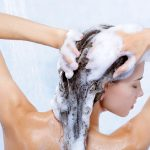 7 meilleurs shampoings sans sulfates de marques réputées